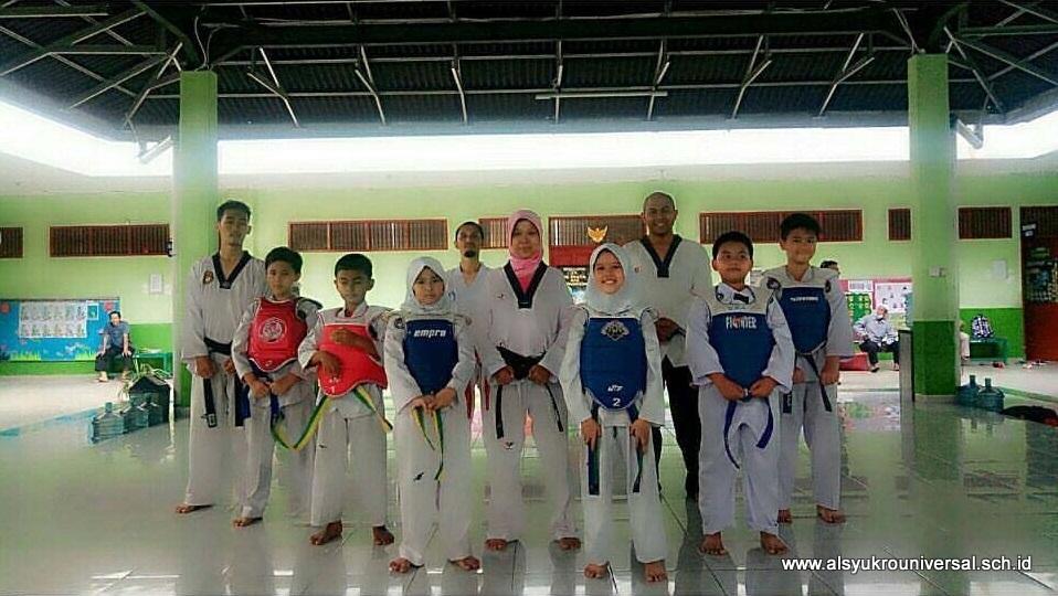 Kontingen Taekwondo Al Syukro Ikuti Bharaduta Cup 2017
