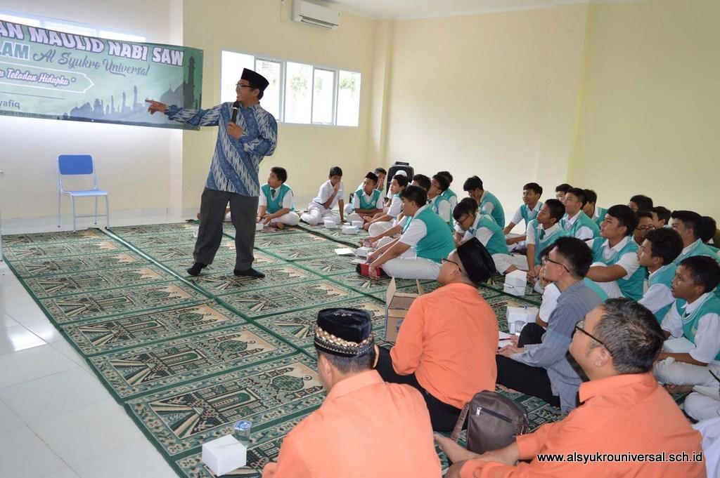 Siswa-siswi SMP Islam Al Syukro Mulai Belajar di Gedung Baru