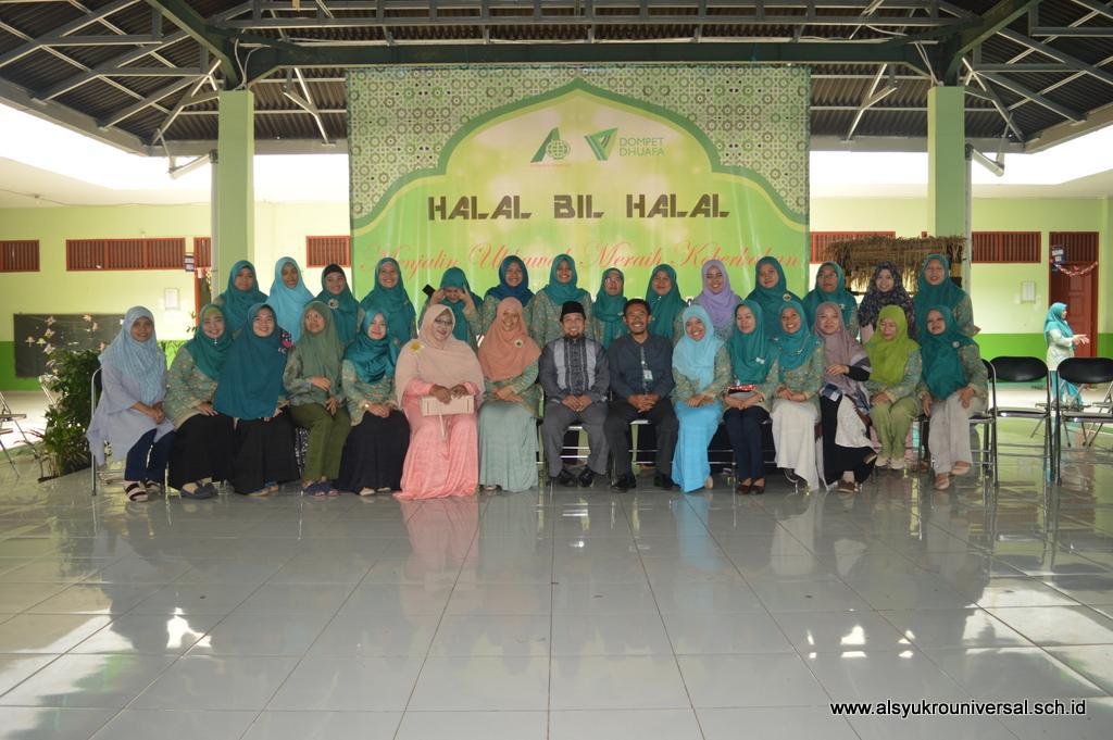 Halal Bil Halal Keluarga Besar Perguruan Islam Al Syukro Universal