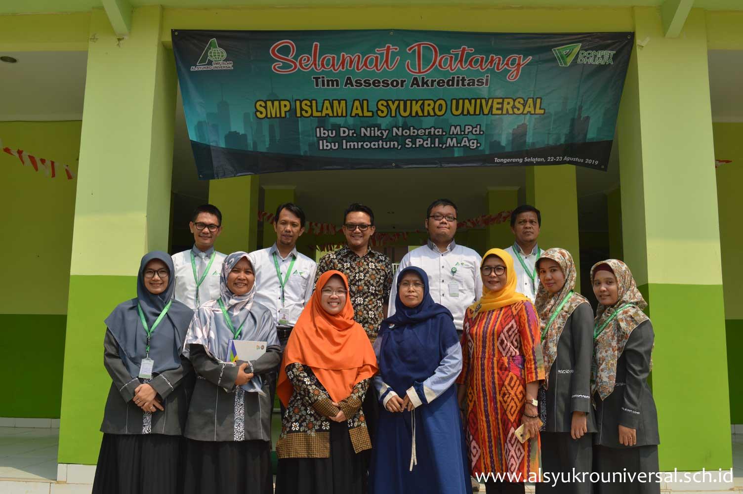 Akreditasi SMP Islam Al Syukro Universal