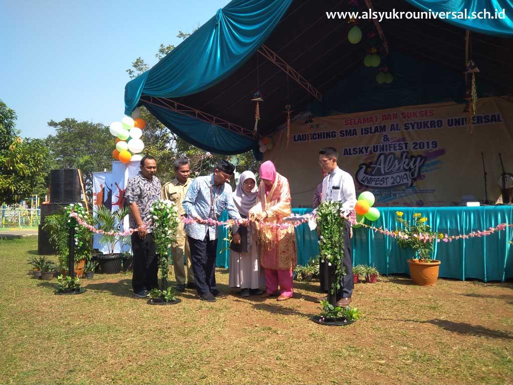 Launching SMA Islam Al Syukro Universal